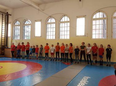 Lehrgang für angehende Kampfrichter und gemeinsames Training der Berliner Ringerinnen